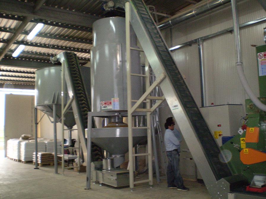Impianti per la produzione del pellets imea impianti for Impianto produzione pellet usato